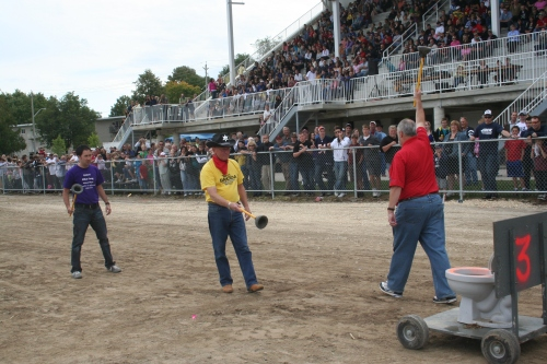 Mayoral plunger toss